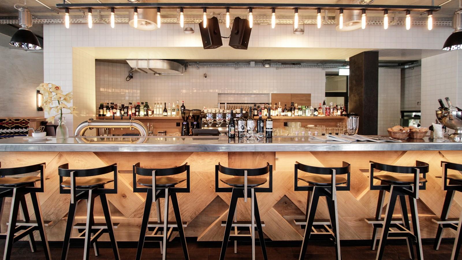 Restaurant loeweneck dyer smith frey interior