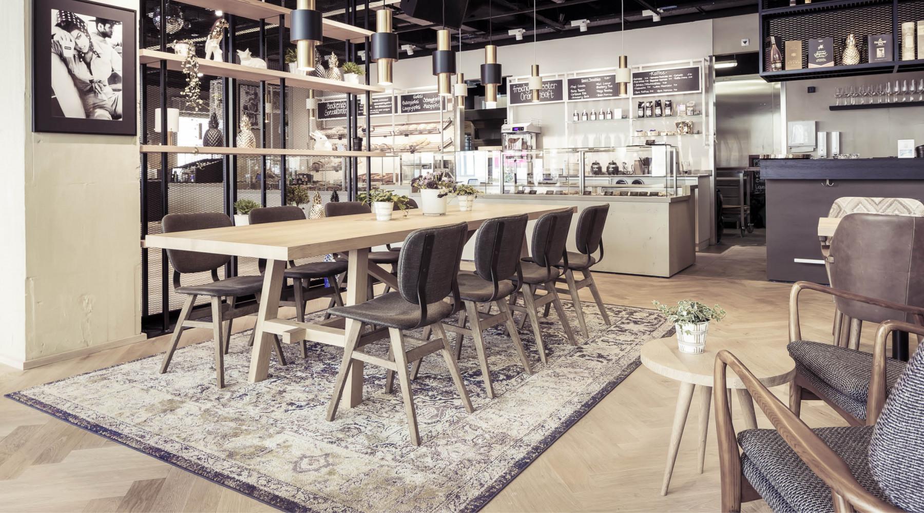 DYER-SMITH FREY - Interior & Branding - Zurich